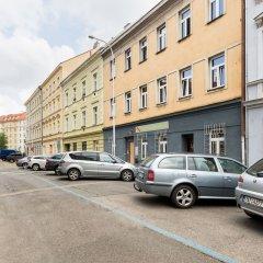IM Easy Housing Hostel Прага парковка