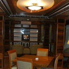 Отель Shari-La Island Resort интерьер отеля