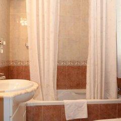 Отель Pension Canadiense Испания, Барселона - отзывы, цены и фото номеров - забронировать отель Pension Canadiense онлайн ванная
