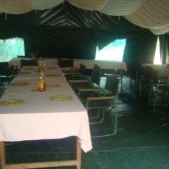 Отель Enkolong Tented Camp гостиничный бар