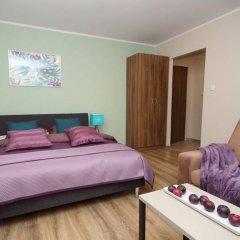 Отель Absynt Apart Wierzbowa комната для гостей