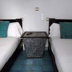 Отель Hostal Extramuros Испания, Кониль-де-ла-Фронтера - отзывы, цены и фото номеров - забронировать отель Hostal Extramuros онлайн комната для гостей фото 5
