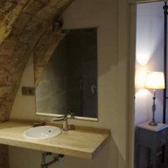 Отель Arena Hostel Boutique Испания, Кониль-де-ла-Фронтера - отзывы, цены и фото номеров - забронировать отель Arena Hostel Boutique онлайн ванная