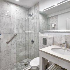 R Hotel Kingston ванная
