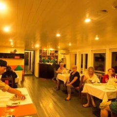 Отель L'Azalee Cruise Halong питание