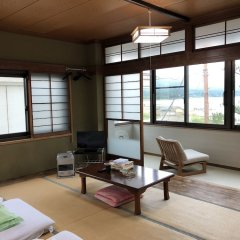 Отель Lake Side Inn Fujinami Яманакако комната для гостей фото 2