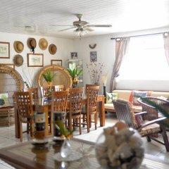 Отель Bora Vaite Lodge гостиничный бар