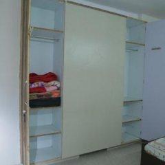 Отель Jindal's Maharaja Agrasen Residency сейф в номере