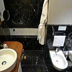 Отель Milano Scala Hotel Италия, Милан - 5 отзывов об отеле, цены и фото номеров - забронировать отель Milano Scala Hotel онлайн ванная