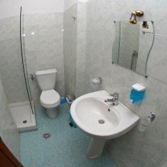 Отель ALER Holiday Inn Албания, Саранда - отзывы, цены и фото номеров - забронировать отель ALER Holiday Inn онлайн ванная