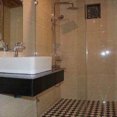 Отель Villa Oasis Luang Prabang ванная фото 2