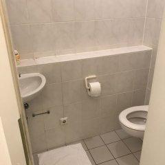 Отель Kn Kahtan Boarding House Мюнхен ванная фото 2