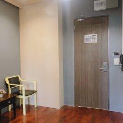 Gn Luxury Hostel Бангкок сейф в номере