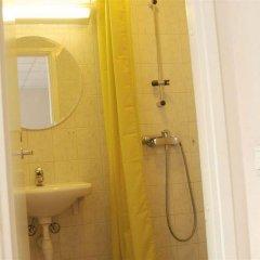 Отель 16eur - Rotermanni Эстония, Таллин - 4 отзыва об отеле, цены и фото номеров - забронировать отель 16eur - Rotermanni онлайн ванная фото 2