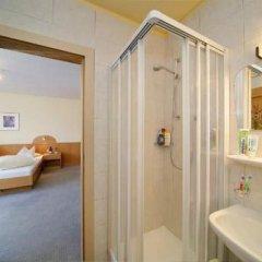 Отель Garni Pension Claudia Силандро ванная фото 2