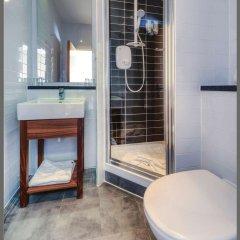 Отель Comfort Inn St Pancras - Kings Cross Великобритания, Лондон - отзывы, цены и фото номеров - забронировать отель Comfort Inn St Pancras - Kings Cross онлайн ванная