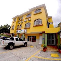 Отель Travel Suites парковка