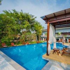 Отель Bora Bora Villa Phuket бассейн