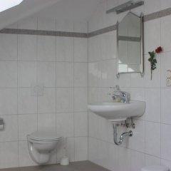 Отель Villa De Baron Германия, Дрезден - отзывы, цены и фото номеров - забронировать отель Villa De Baron онлайн ванная