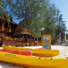 Отель Bans Diving Resort Таиланд, Остров Тау - отзывы, цены и фото номеров - забронировать отель Bans Diving Resort онлайн приотельная территория фото 2