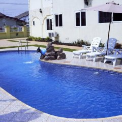 Kingsbridge Royale Hotel бассейн фото 3