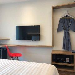 Отель Vela Bangkok Бангкок сейф в номере