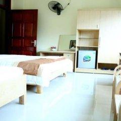 Long Giang Hotel сейф в номере