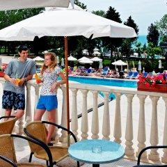 Отель Sol Nessebar Mare Hotel - Все включено Болгария, Несебр - 8 отзывов об отеле, цены и фото номеров - забронировать отель Sol Nessebar Mare Hotel - Все включено онлайн бассейн фото 2