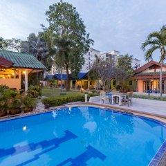Отель Wind Field Resort Pattaya бассейн