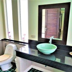 Отель Karon Beach Walk Villa ванная фото 2