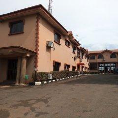 Отель De-Aces Hotels & Conference Centre парковка