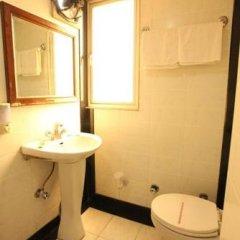 Отель Chanchal Deluxe Индия, Нью-Дели - отзывы, цены и фото номеров - забронировать отель Chanchal Deluxe онлайн ванная