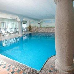 Отель Ferienclub Breitenbergerhof Италия, Чермес - отзывы, цены и фото номеров - забронировать отель Ferienclub Breitenbergerhof онлайн бассейн