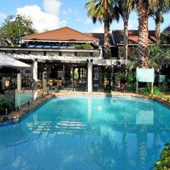 Отель Emerald Inn бассейн фото 2