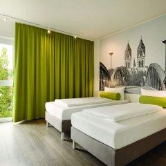 Отель Super 8 by Wyndham Dresden комната для гостей