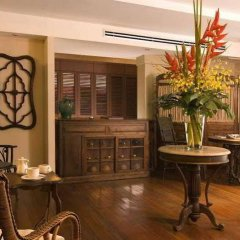 Апартаменты Saladaeng Colonnade Serviced Apartment гостиничный бар