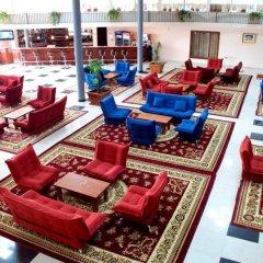 Отель Bazaleti Palace бассейн