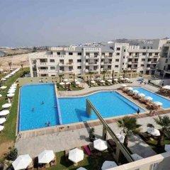 Отель Capital Coast Resort & Spa пляж