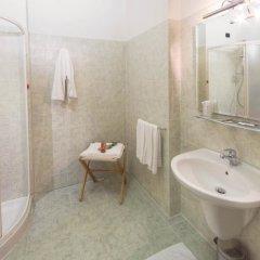 Отель Albergo Ristorante Da Tonino Италия, Реканати - отзывы, цены и фото номеров - забронировать отель Albergo Ristorante Da Tonino онлайн ванная