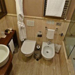 Отель Milano Scala Hotel Италия, Милан - 5 отзывов об отеле, цены и фото номеров - забронировать отель Milano Scala Hotel онлайн ванная фото 2