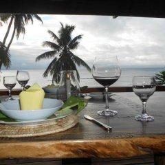 Отель Dolphin Bay Divers Matei Фиджи, Остров Тавеуни - отзывы, цены и фото номеров - забронировать отель Dolphin Bay Divers Matei онлайн питание