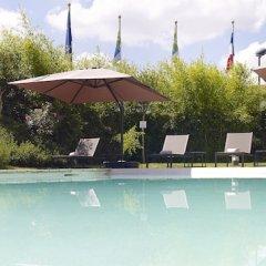 Отель Holiday Inn Express Toulouse Airport Франция, Бланьяк - отзывы, цены и фото номеров - забронировать отель Holiday Inn Express Toulouse Airport онлайн бассейн фото 3