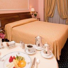 Отель Ambasciatori Palace Рим в номере фото 2