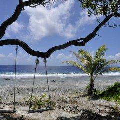 Отель Le Crusoe Французская Полинезия, Бора-Бора - отзывы, цены и фото номеров - забронировать отель Le Crusoe онлайн пляж фото 5