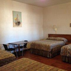 Las Palmas Hotel комната для гостей
