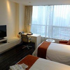 Grand Mercure Shanghai Century Park Hotel удобства в номере фото 2