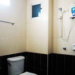 Апартаменты At Home Executive Apartment Паттайя ванная