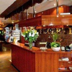 Budget Hotel Damrak Inn гостиничный бар