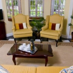 Отель Rose Hall Villas By Half Moon Ямайка, Монтего-Бей - отзывы, цены и фото номеров - забронировать отель Rose Hall Villas By Half Moon онлайн интерьер отеля