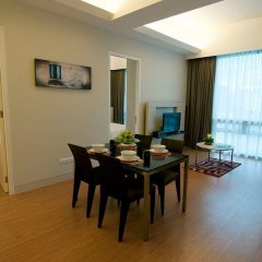 Отель Queens Service Suite at Swiss Garden residence Малайзия, Куала-Лумпур - отзывы, цены и фото номеров - забронировать отель Queens Service Suite at Swiss Garden residence онлайн комната для гостей фото 5
